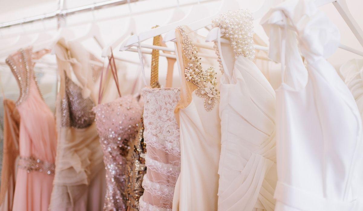 Idealna sukienka na wesele - jak taką znaleźć?